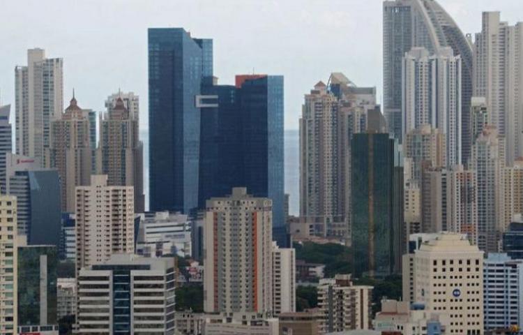 Bancos panameños ofrecen periodo de gracia para hipotecas por el golpe económico del Covid-19