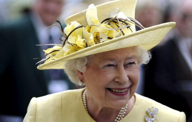 La reina Isabel II se protege del coronavirus
