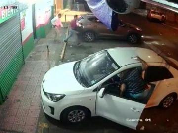 Vigilantes se baten a tiros con ladrones