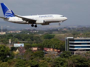Autorizan vuelos humanitarios para repatriar a 300 argentinos