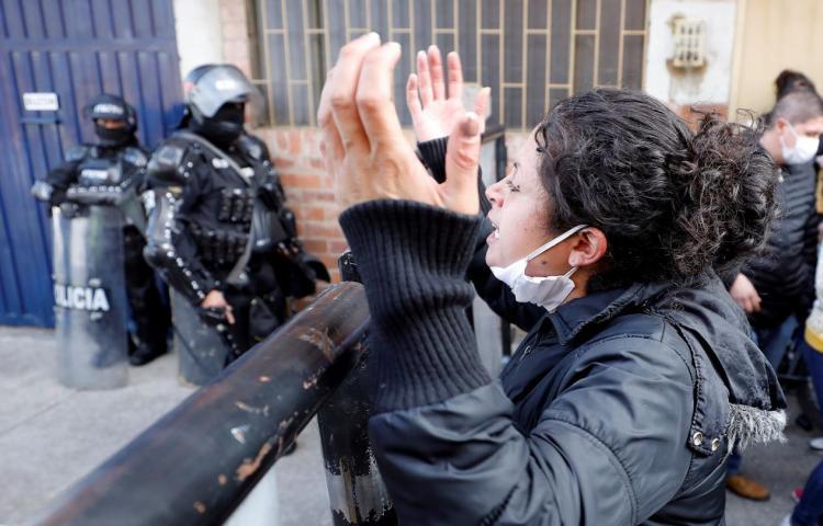 Matanza de 23 presos y 83 heridos sacude a una Colombia temerosa del COVID-19