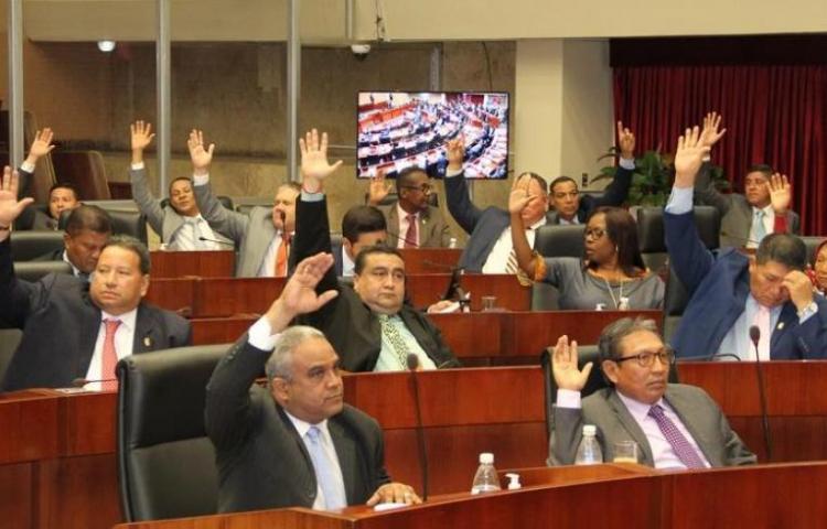 Congelamiento de compromisos bancarios y pago de servicios públicos, en manos del pleno legislativo