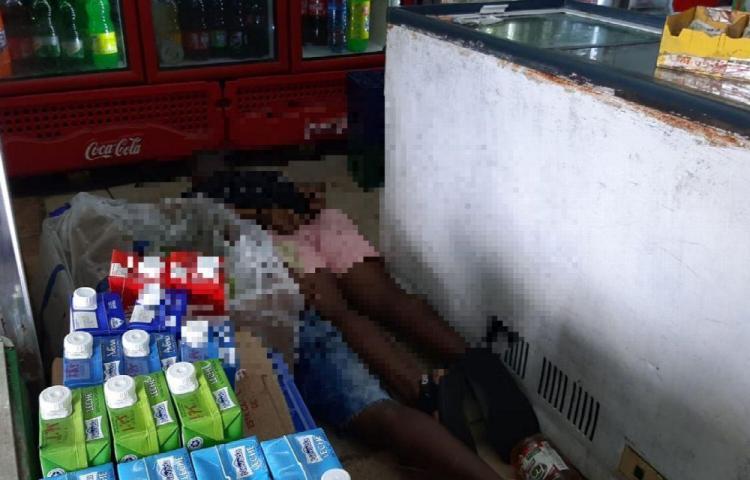 Detenidos provisionalmente por robo a minisúper de Santa Marta