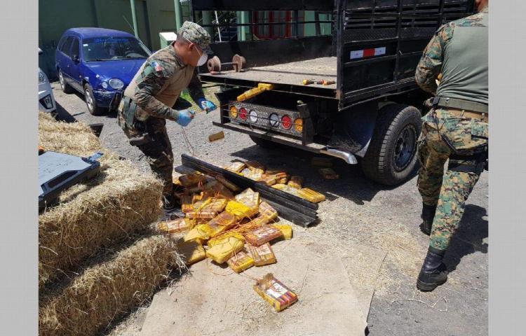 Enjaulado por transportar 75 paquetes de droga