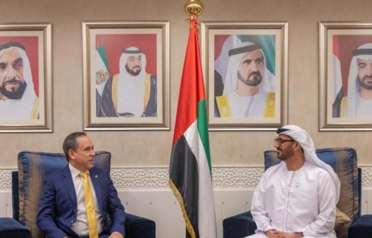 Embajador Laviery dona su sueldo desde Dubái