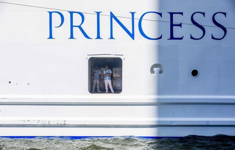 Un tercer crucero con enfermos navega hacia la costa de Florida, en EEUU
