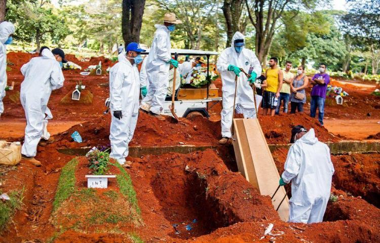 Se preparan en Brasil para oleada de muertos