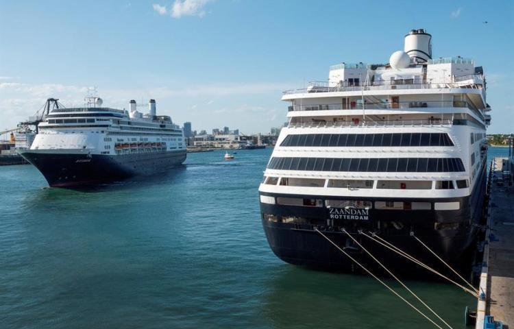 Mueren dos personas a bordo del crucero Coral Princess rumbo a puerto de Miami