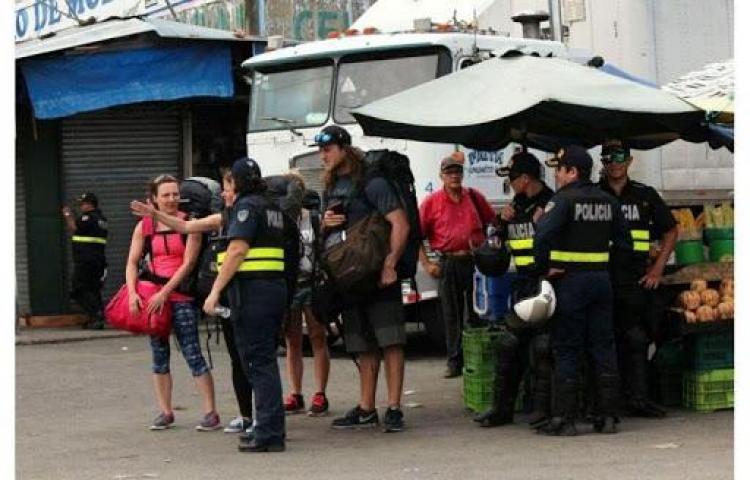 Encuentran mujer calcinado cerca de frontera con Panamá