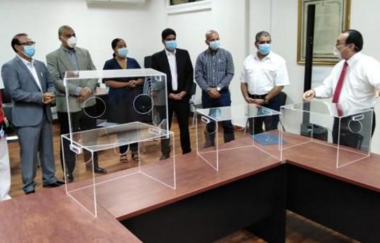 UP dona cámaras a hospitales para la protección de pacientes con el virus