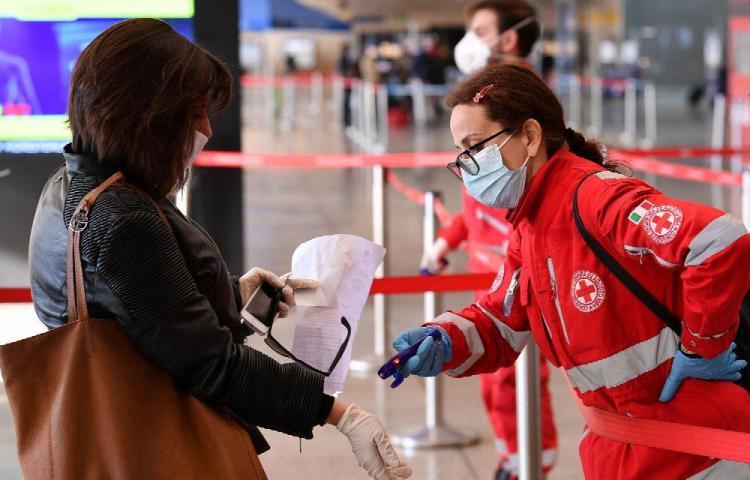Francia registra 13.832 decesos por coronavirus