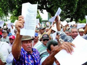 Jubilados que no han cobrado su pensión deben reportar su caso