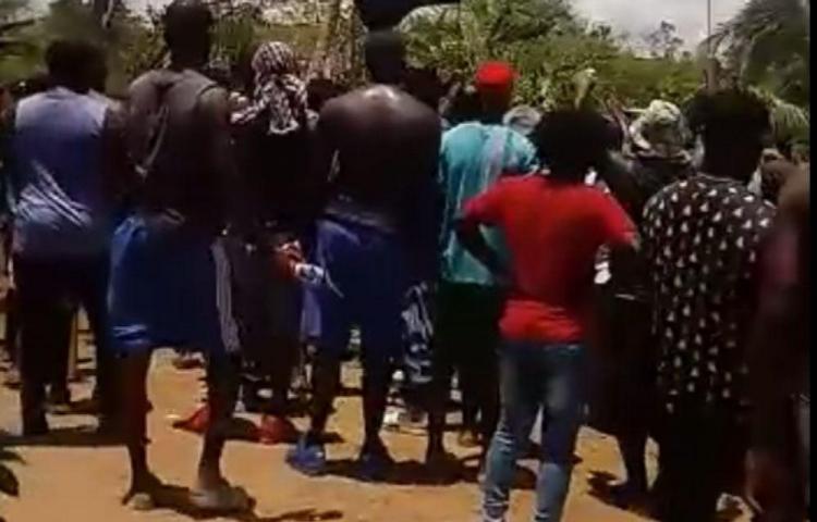 Migrantes en Darién piden a gritos ayuda de las autoridades