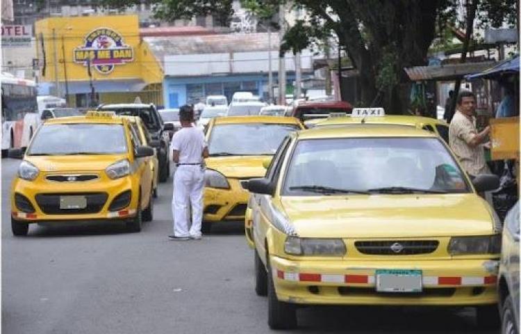 Ladrones roban y casi matan a taxista