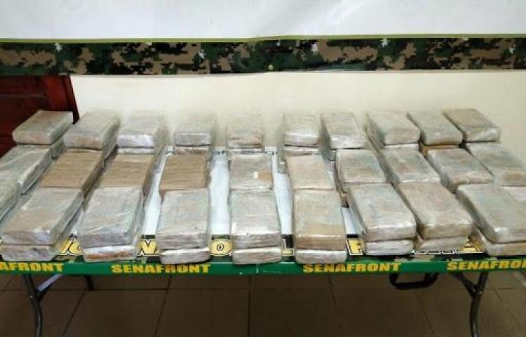 128paquetes de droga dentro de camioneta en Bocas del Toro