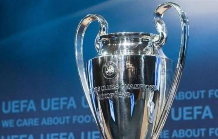 """UEFA recomendó """"encarecidamente"""" que acaben ligas y copas"""