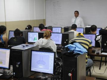 El reto de recibir las clases virtuales en la universidad