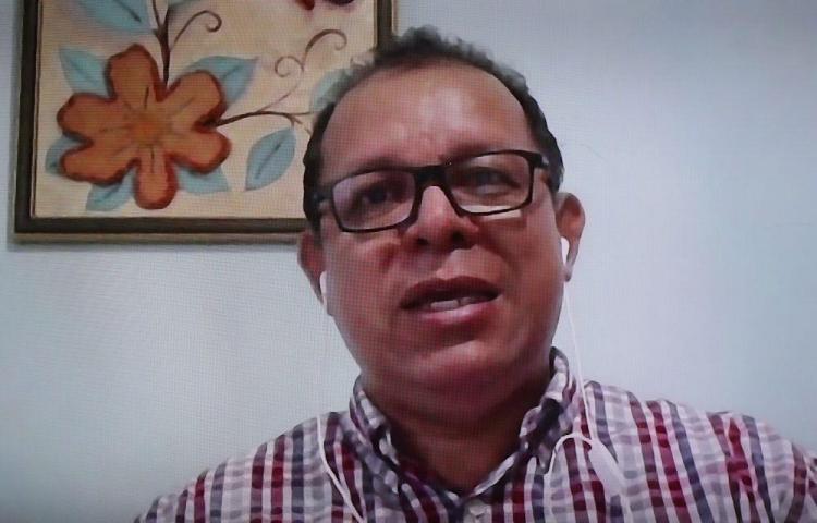 'No hay estadísticas oficiales de cuántos alumnos tienen una computadora' Antonio Castillo