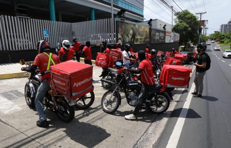 Appetito 24 asegura que motorizados cobraron $1,600 en abril