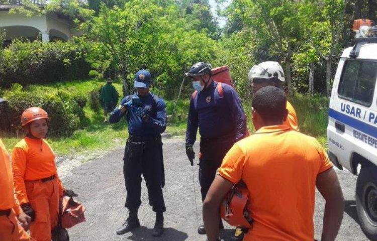 Miembros del Sinaproc resultan heridos en accidente vehicular