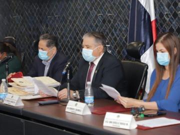Diputados de la Comisión de Credenciales envían a la PGN denuncias contra Varela y De Saint Malo