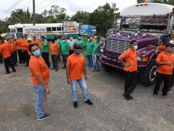 Transportistas de Panamá Oeste protestan, piden apoyo del Gobierno