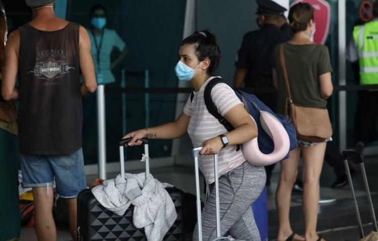 Vuelos internacionales seguirán suspendidos hasta el 22 de junio