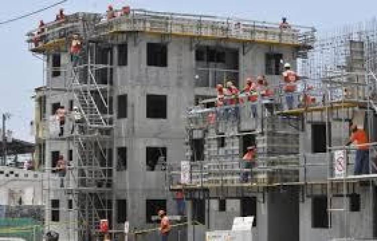 La construcción tiene 40 mil contratos suspendidos