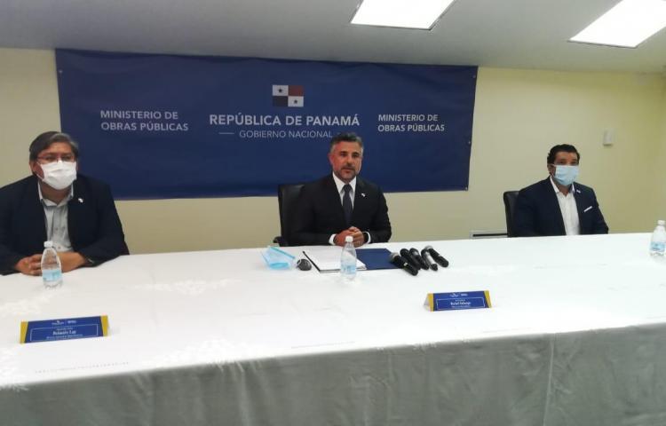 Sabonge rinde informe de la construcción del Hospital Integrado Panamá Solidario