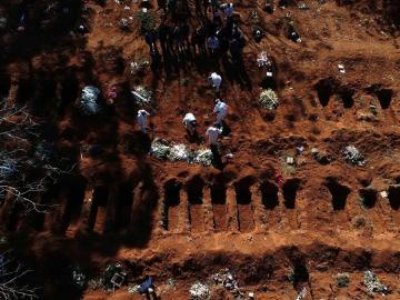 Con casi 25.000 muertos, los brasileños a favor del confinamiento