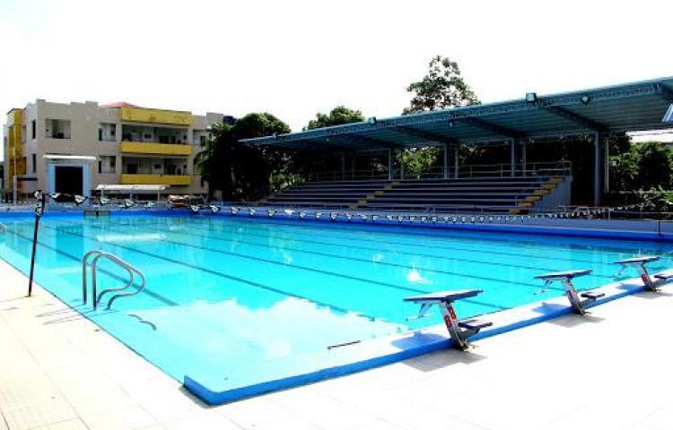 Desinfectan piscinas en tiempos del peligroso coronavirus