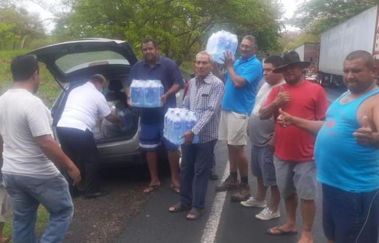 Transportistas panameños siguen su recorrido de vuelta a casa
