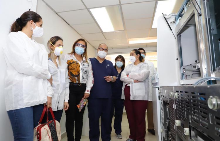 Autoridades recorren el complejo hospitalario