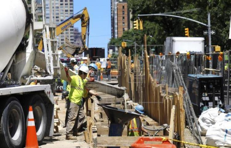 La ciudad de Nueva York empieza a despertar tras cien días de pandemia