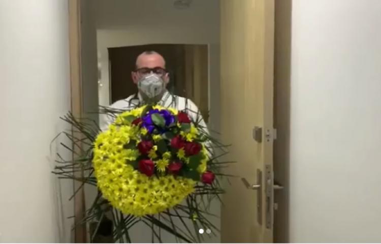 Amenazan de muerte a médico colombiano tras fallecer una paciente por COVID-19