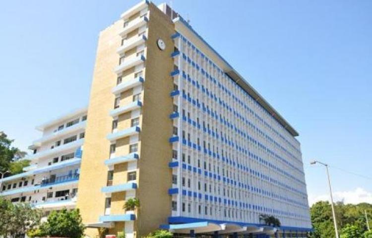 Acondicionan sala para pacientes con covid-19en el Complejo Hospitalario