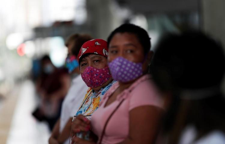 """Las mujeres en Panamá """"cargan el peso"""" de la pandemia, dice informe de la ONU"""
