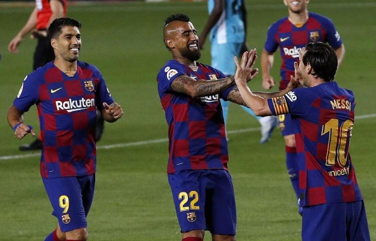 Barcelona regresa a casa con victoria