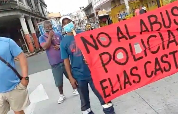 Protestas por agresión policial contra un pescador
