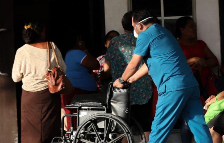 Denuncian falta de mascarillas N-95 en el Hospital Santo Tomás