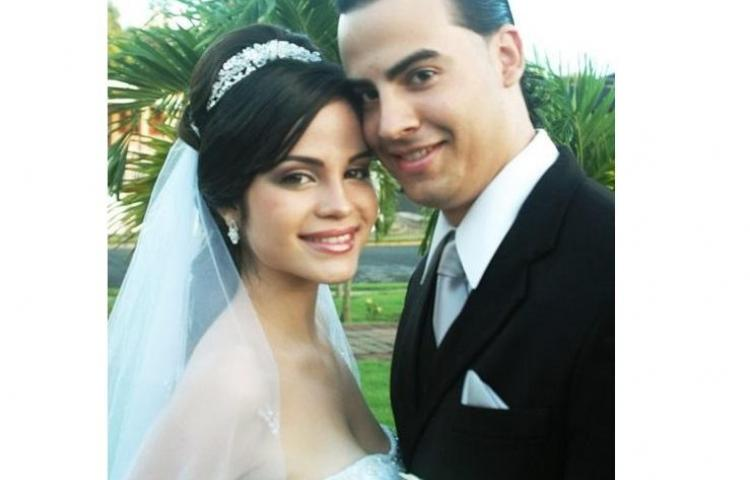 Tras filtrarse fotos en redes, Natti Natasha confirma que se casó a los 21 años