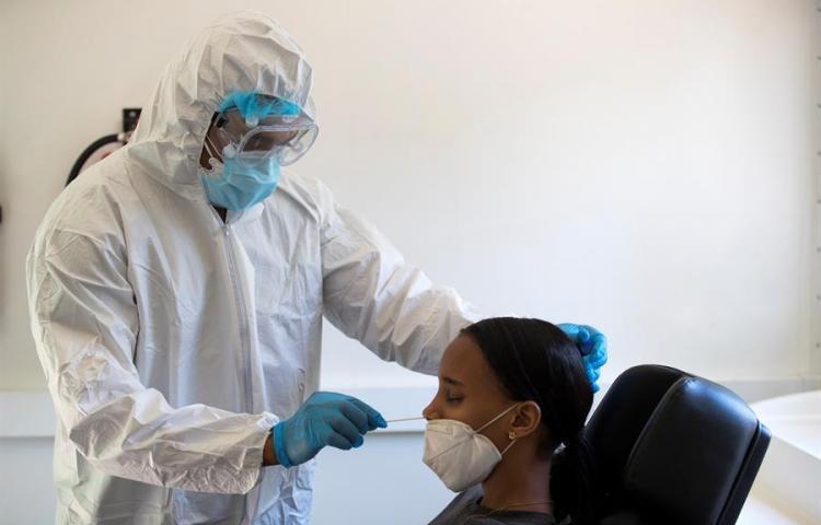 Dominicana registra un récord de contagios a dos semanas de las elecciones