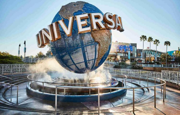 Fanáticos de Disney agotan en horas reservas para la reapertura en Orlando