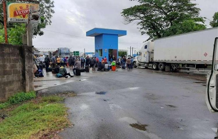 No dejan entrar a los nicaragüenses a su propio país