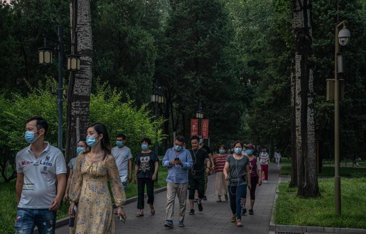 China registra 17 nuevos casos de coronavirus, 14 de ellos en Pekín