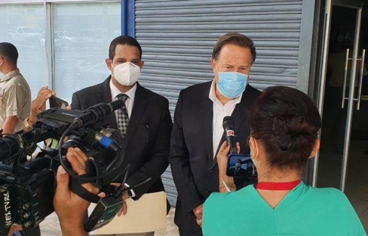 Varela sorprende y se presenta en la Fiscalía Anticorrupción