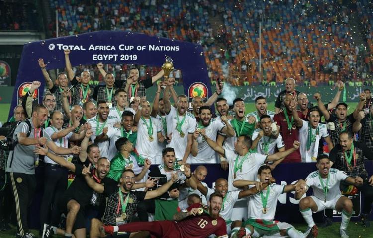 La CAF aplazó la Copa África hasta 2022