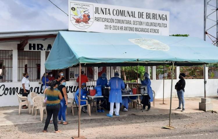 Jornadas de pruebas de hisopado y limpieza para combatir dengue y covid-19 en Burunga