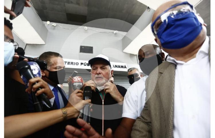 Decretan impedimento de salida del país para el expresidente Martinelli