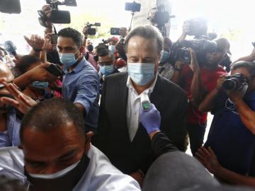 Varela confirmó que le decretaron impedimento de salida del país